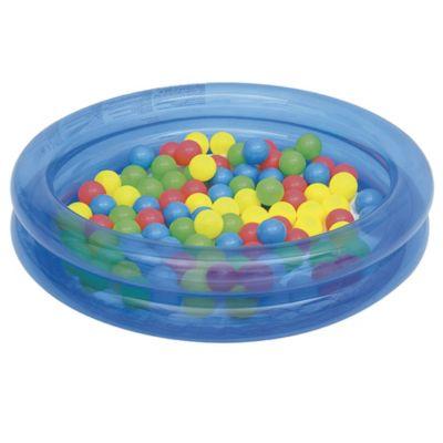 Piscina con pelotas de juguete