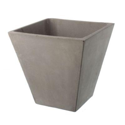 Maceta piramidal de cemento gris